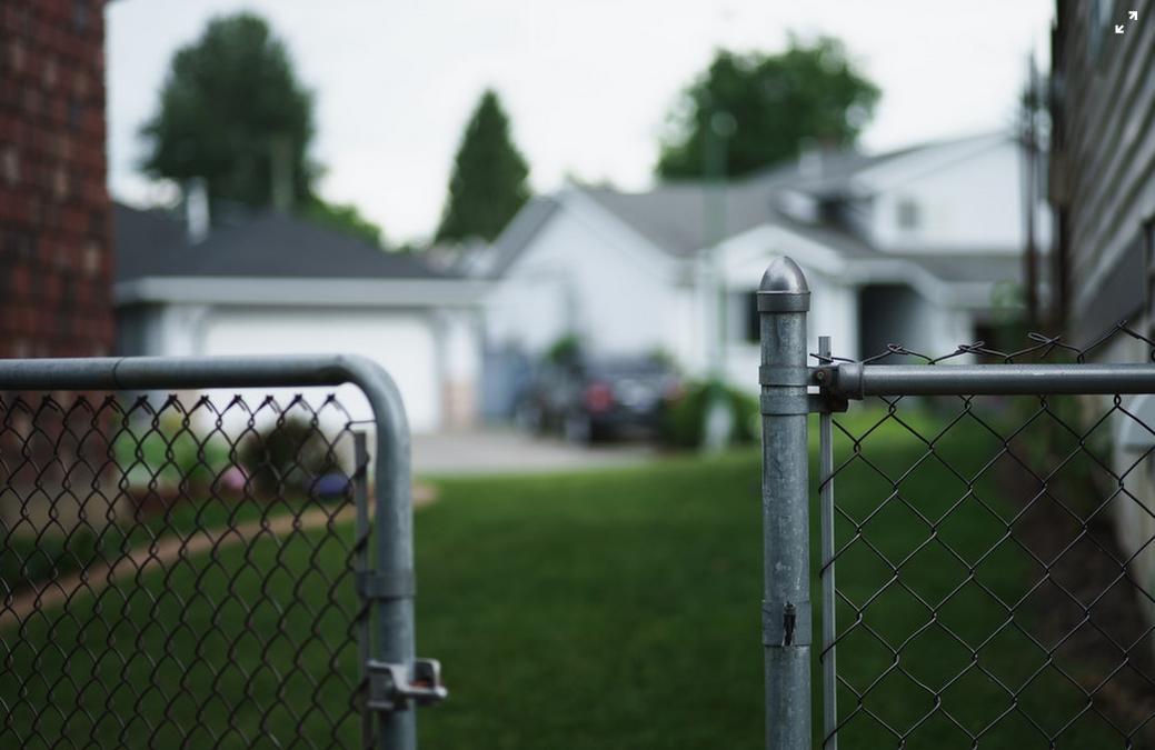 Condenan a un vecino a abandonar la comunidad de propietatrios