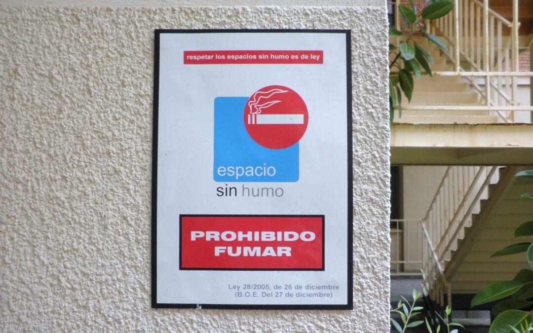 La eterna guerra al tabaco en la comunidad de vecinos, ¿dónde está prohibido fumar?