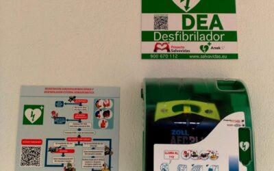 Los desfibriladores entran a cuenta gotas en las comunidades de vecinos